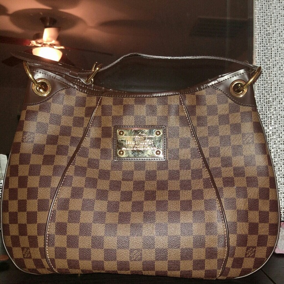 6e76fac51c625 Louis Vuitton Handbags - Unicorn! Louis Vuitton Damier Ebene Galliera